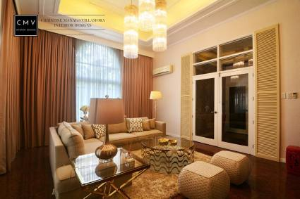 gold theme living room
